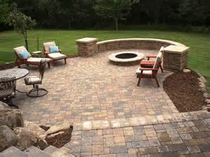 Backyard Patio Designs With Pavers Small Back Yard Patios Patio Pavers Residential Patio Pavers Seatwallcolumns 800x600