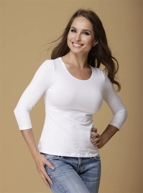 dd basic top in white tops that flatter big busted