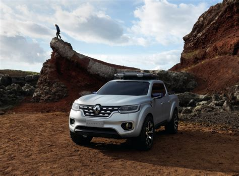 concept renault renault alaskan concept previews global production pickup