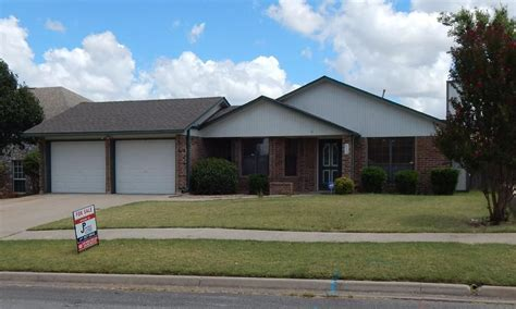 312 sw 79th st lawton ok for sale 129 900 homes