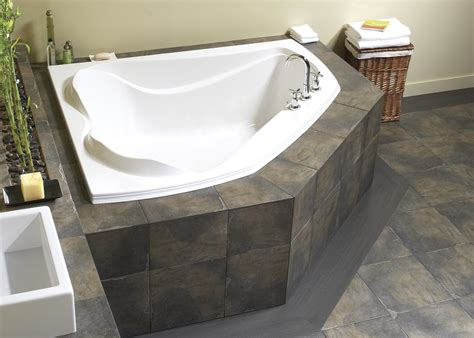bathtub built for two create a romantic scenery by enjoying bath session on soaking tub for two homesfeed