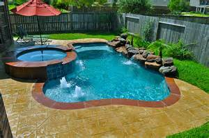 Swimming Pools For Small Backyards Pin By Robin Summers On Pools And Tubs