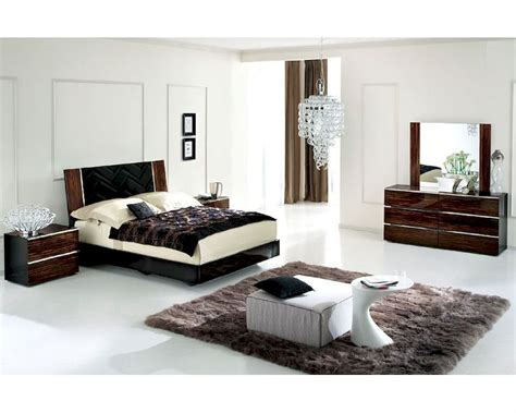 High Gloss Bedroom Furniture Sets High Gloss Bedroom Set In Contemporary Style 33b151