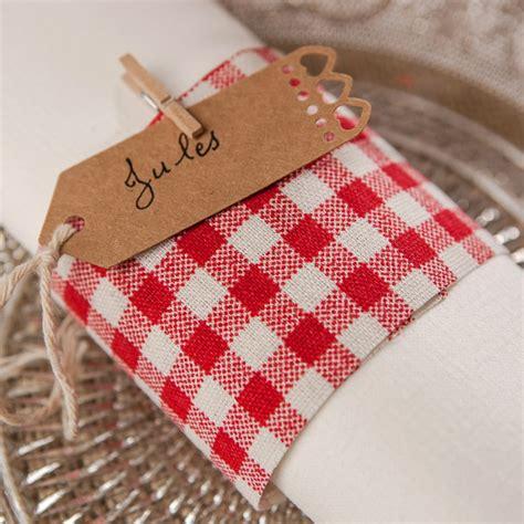chemin de table tissu chemin de table vichy en tissu blanc maplusbelledeco