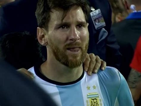 imagenes de james llorando en el mundial el llanto de messi messi llorando tras perder la final