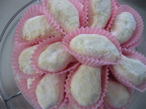 cara membuat kue kering putih telur cara membuat kue putri salju telur corelita