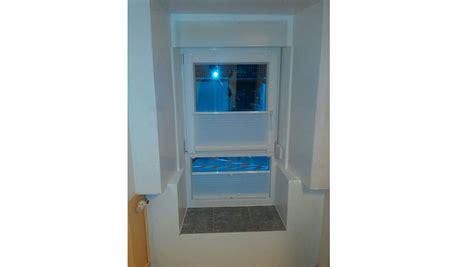 Fenster Mit Unterlicht Sichtschutz by Fenster Mit Unterlicht Windowde Sureflap Im Paneel In