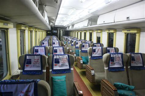 denah tempat duduk kereta api senja utama solo file interior ka argo dwipangga jpg wikimedia commons