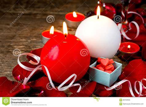 imagenes velas rojas encendidas velas rojas y blancas encendidas en los p 233 talos color de