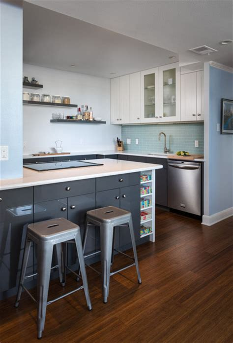 contemporary kitchen design for your stylish condominium 24 ideje kako urediti malu kuhinju foto kucasnova com