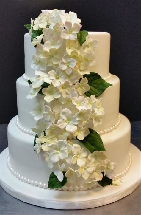 hydrangea cake hydrangeas on a wedding cake