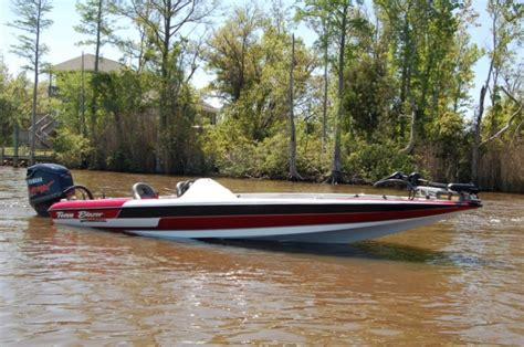 boat fuel tanks at bass pro research 2012 blazer boats 625 pro elite on iboats