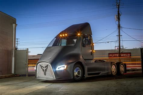 de trucks thor trucks wants to take on tesla with its own electric