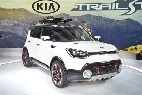 Kia Soul Driving In Snow Kia Unveils Electric All Wheel Drive Trail Ster Concept