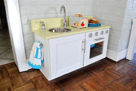 pretend kitchen furniture how to make your own play kitchen crafts