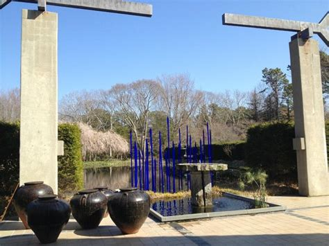 chihuly picture of longhouse reserve east hton