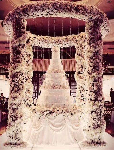 25  Best Ideas about Extravagant Wedding Cakes on