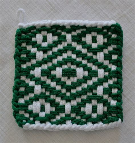 potholder loom pattern twill pattern frog potholder white and green twill