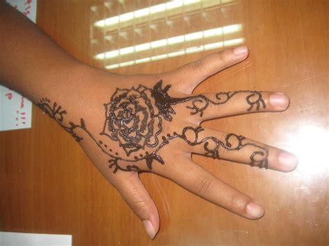 gambar terbaru henna bunga mawar sayang dilewatkan