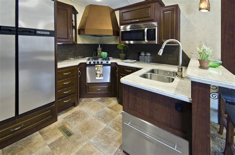 Montana Travel Trailer Floor Plans by Evergreen Rv Introduces Rear Kitchen Bay Hill Fifth Wheel