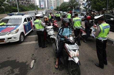 pakar profesi polisi adalah aparat penegak hukum hukumonline