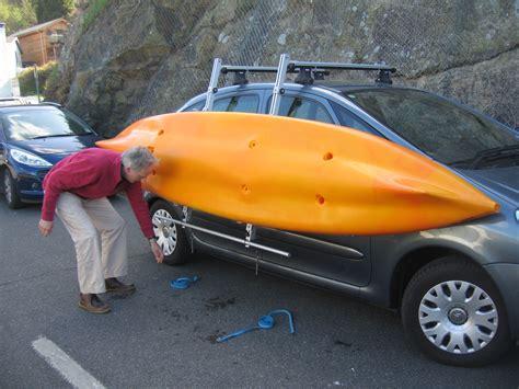 using kari tek kayak rack to load onto a car roof