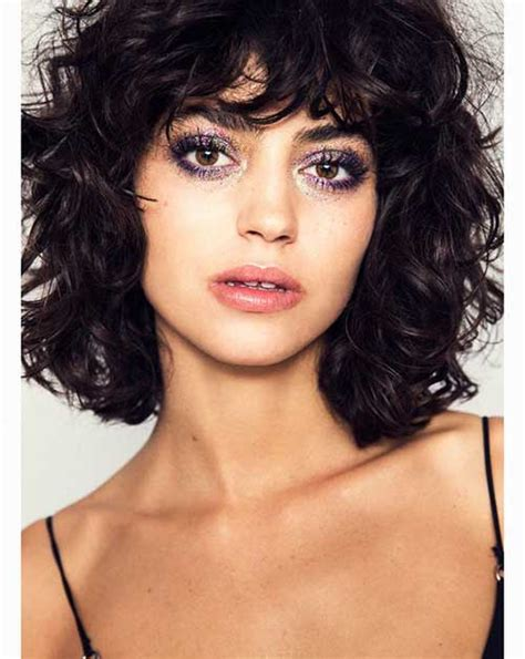 melanie martinez had short curly hair for her performance of cough curly bob hairstyles for stylish ladies bob hairstyles