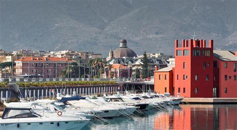 hotel e appartamenti excelsior e appartamenti italia loano booking