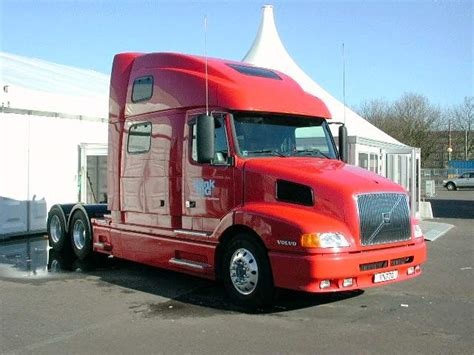 volvo truck pictures page  classy    trucks