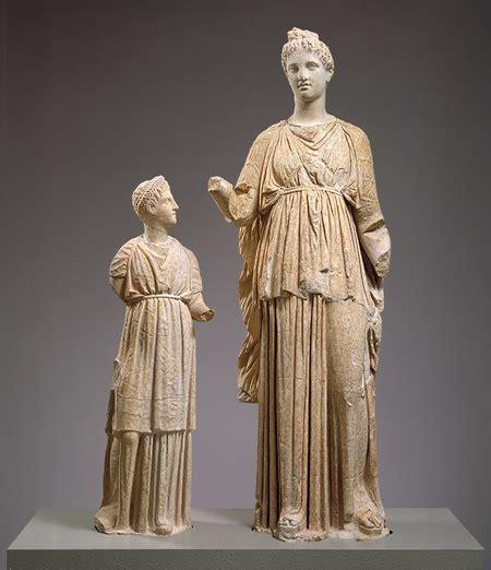 ancient greek woman sculpture greek women dress in ancient greece rome