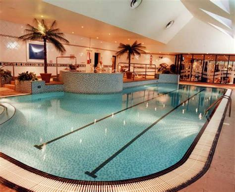hton inn pool image gallery hotels east midlands