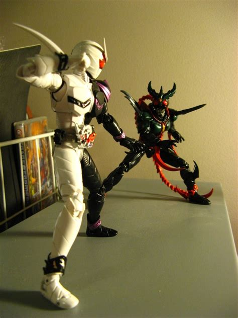 Pbm 42 Kamen Rider Fang Joker s h f exceed gills vs fang joker 01 by riderb0y on deviantart