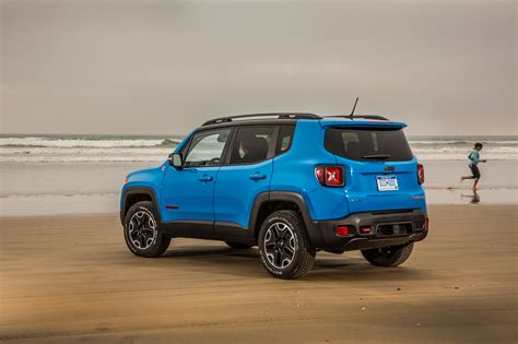 Jeep Renegade Trailhawk Mpg 2015 Jeep Renegade At 25 Mpg Combined 187 Autoguide