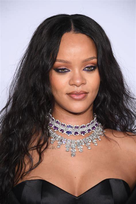 Rihanna Pictures by Rihanna Teased Rihanna Hair Looks Stylebistro