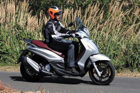 Schnellstes Motorrad 0 300 by Piaggio Beverly 350 Sport Touring Test Motorrad Tests