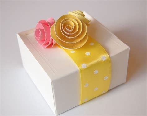 How To Make Handmade Paper Boxes - wrapping gifts paper favor boxes the diy tutorial