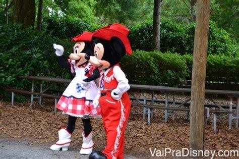 Mickey S Backyard Bbq Vs Chef Mickey Mickey S Backyard Bbq Churrasco E Festa O Mickey