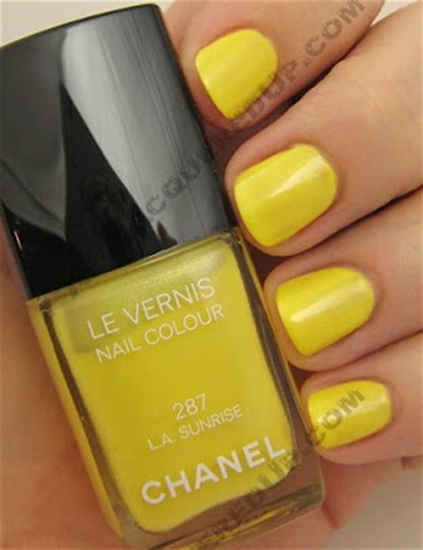 what color nail polish does lisa robertson wear yellow nail polish trend hot or nail fail all