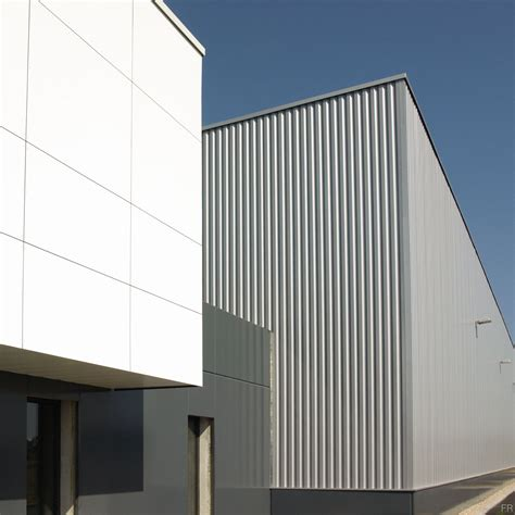 Facade Batiment Industriel by B 226 Timent Industriel Contemporain Des Volumes 233 Pur 233 S Pour