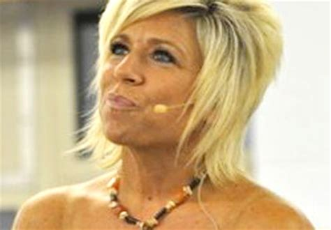 theresa caputo family bio famous psychic mediums island medium psychic tv show on