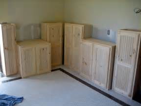 In the photo above i lined up the upper wall cabinets on the floor to