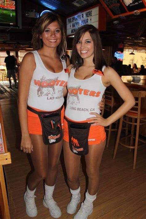 hooters girls hooters and friends pinterest girls and posts