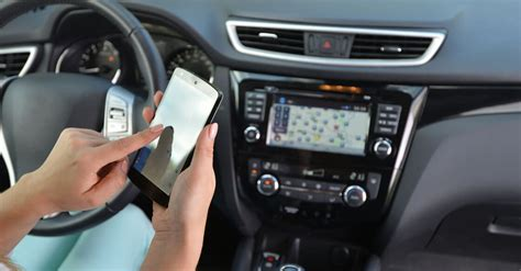 Pros and Cons of an Auto Insurance Tracking Device