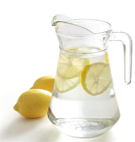 Lymph System Detox And Lemon Water by Warum Jeden Morgen Mit Einem Glas Zitronen Wasser