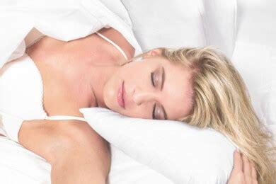 hände schlafen oft ein der ein hemisph 228 ren schlaf forscher ermitteln warum