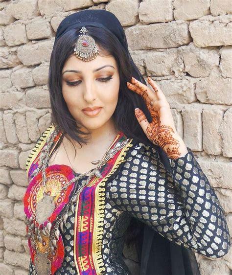 beautiful afghanistan girls beautiful girl love this henna and drees afghan fashion