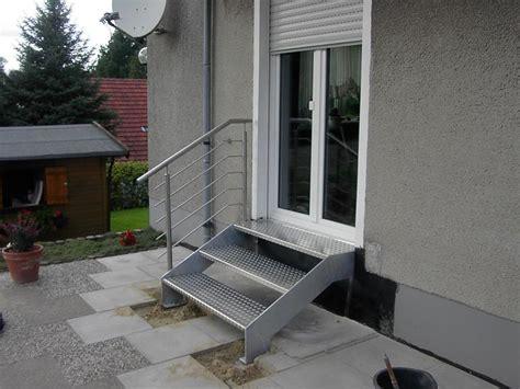 edelstahl treppe treppe edelstahl stahl verzinkt 3 treppen leistungen