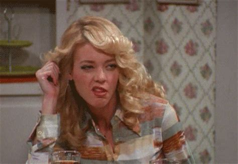 lisa robin kelly that 70s show laurie leo that 70s show mila kunis ashton kutcher tommy chong