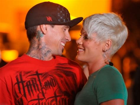 carey hart hair singer pink pregnancy rumors