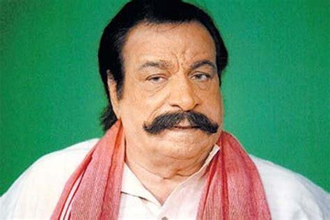 death of bollywood actors kadar khan fine upset with death rumours news18